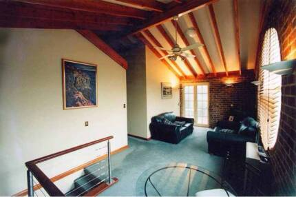 ELWOOD ARCHITECTURAL WAREHOUSE CONVERSION, BAYSIDE TOWNHOUSE