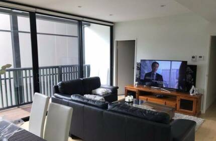 LOOKING FOR CLEAN TIDY FEMALE FLATMATE FOR OUR FLAT IN PYRMONT