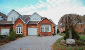 SPECTACULAR GRIMSBY LAKEFRONT LIVING 3BED + 4 BATH FAMILY HOME!