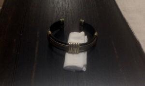 Sterling Silver and Leather bracelet/Handmade/Artisanal