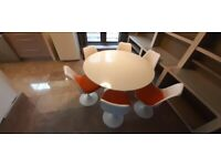 Saarinen style Dining table and Chairs