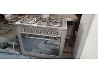 Indesit KP 95079 5-Burner Gas Cooker