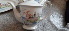 China Tea Set - white with detail