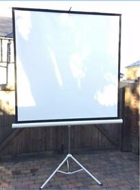 Large projector screen with tripod - fantastic condition