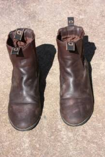 Dublin riding boots very good condition AUS Size 7