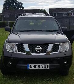 NISSAN PATHFINDER, LOW MILEAGE!!!!