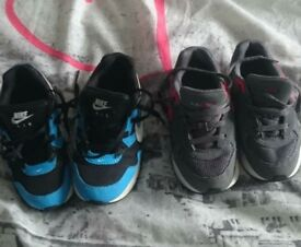 children's shoes air max size 9 infant in excellent condition.