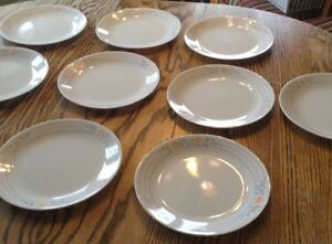 "VTG 10 GRANDES ASSIETTES ""CORELLE BY CORNING"" MADE IN USA Gatineau Ottawa / Gatineau Area image 2"