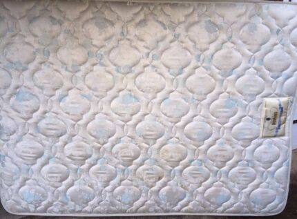Domino posture practic firm double mattress - great condition
