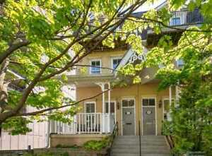 Bright & Airy 3 Storey End Unit Townhouse With Built-In Garage I