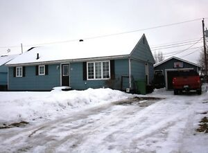3 Bedroom, 1 1/2 Bath Bungalow with Garage... 10 Poplar Avenue!