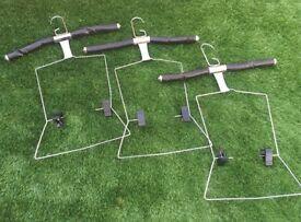 Retail adjustable hangers x6