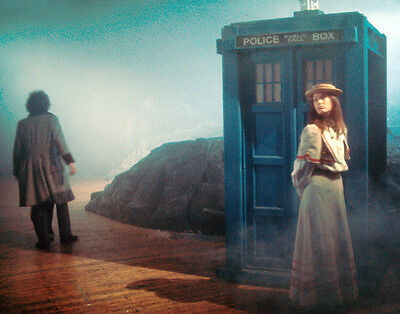 Tom Baker and Louise Jameson UNSIGNED photo - H2475 - Doctor Who