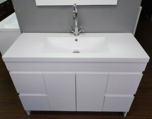 "New Modern high-gloss white 38"" Vanity incl sink countertop"