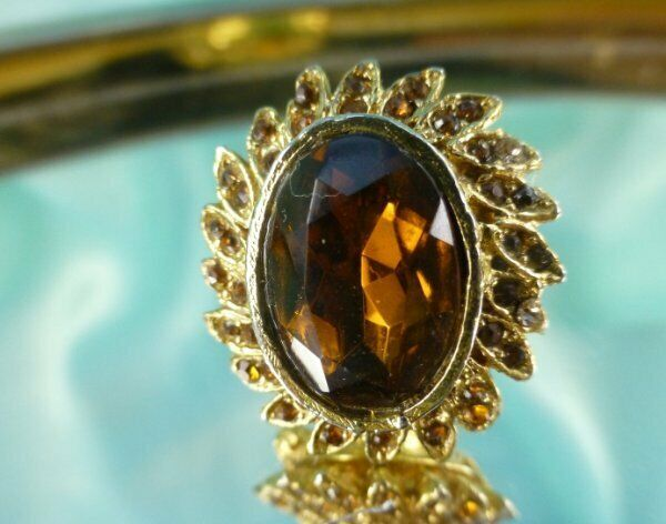 Beautiful FAB Perfume Solid Poison Ring Adjustable Size 6 Amber Crystals