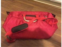It lightweight luggage bag