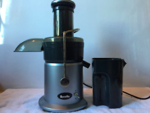 Breville Juice Fountain juicer with manual & recipe book