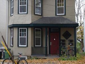 Subletting 1 Room from January-April, 2 minute walk from Dal,SMU