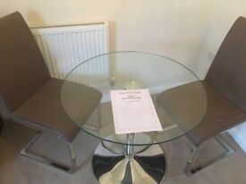 Julian Bowen glads dining table.