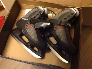 NEVER USED Bauer Ice Skates X-Tra 6.0 - Size 9