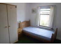 Studio flat in Flat B, 139 Middleton Road, Banbury, OX16