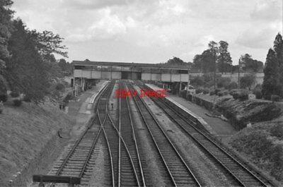 PHOTO  BADMINTON RAILWAY STATION RAILWAY STATION GLOS 1961 GWR SWINDON - SEVERN