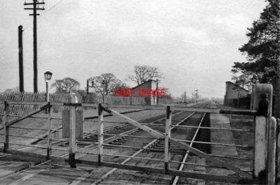 PHOTO  BUBWITH RAILWAY STATION YORKSHIRE REMAINS 1961 NER SELBY - MARKET WEIGHTO