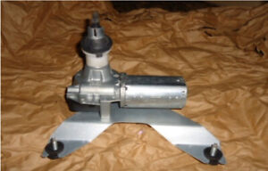 New! AC Delco Rear Windscreen Wiper Motor