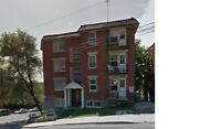 4.5-bedroom apartment adjacent Montreal West and AMT Train ♫♫