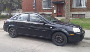 Chevrolet Optra 2005 pour réparation - Encore fonctionnelle