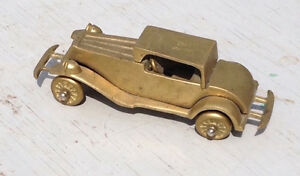 BRASS COLLECTIBLE VINTAGE CAR