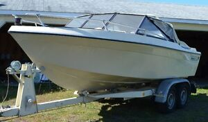 Sunray Boat, Bow Rider - like New been in long term storage