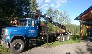Hiab 160 and ford L 8000