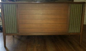 1957 RCA Victor Stereo Console