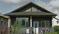 3 Bed, 1.5 Bath on 104 Oak Drive, Red Deer Available Now!!