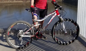 Kona 2 + 2 bike with red bash guard was stolen