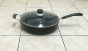 Brand New Huge T-Fal 5-Quart Frying Pan With Handle & Lid
