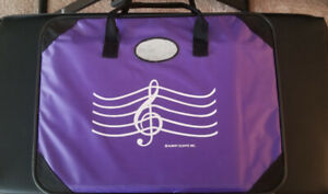 MUSIC BAG WITH ZIPPER AND INTERIOR POCKETS
