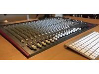 Allen and Heath Zed r16 mixing desk