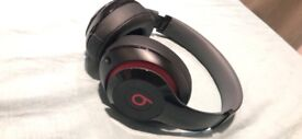 Beats studio by dr dre with wire and box