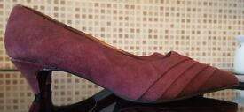 BRAND NEW - Suede Court Shoes - Size 6 Wide Fit [EEE] Never Worn - Come with spare insoles