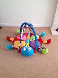 Baby activity gym/playmat
