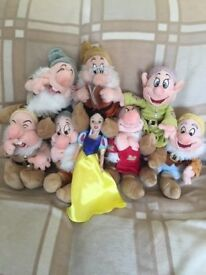 SNOW WHITE AND THE 7 DWARFS'