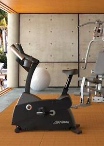 Like (NEW) from private residence (Never use) Commercial Life fitness Upright Bike C3.5