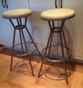 Mid Century Modern Vintage stools made by Cosco 1960's West Island Greater Montréal image 2
