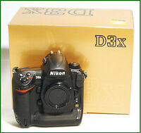 Nikon D3x. Top of the line, 24 mpx Monster! LIKE NEW!!