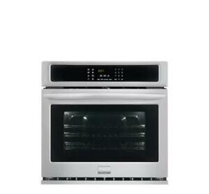 Frigidaire Gallery 27'' Single Electric Wall Oven FGEW2765PF (MP_57)