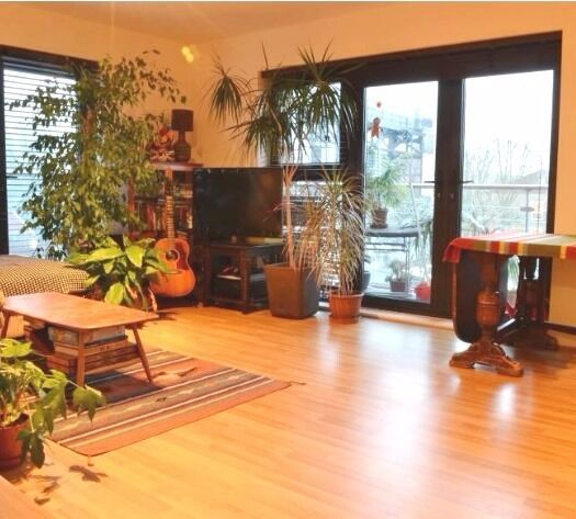 Large/luxury 3 bedrooms flat to rent in Bow - with 24 Concierge/Balcony/Underground parking