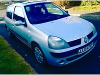 Clio 10Month Mot 12 month tax good runner very reliable women owner