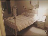 Kingsize frame and mattress